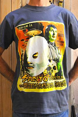"T-shirt catch ""Santo contra…"""